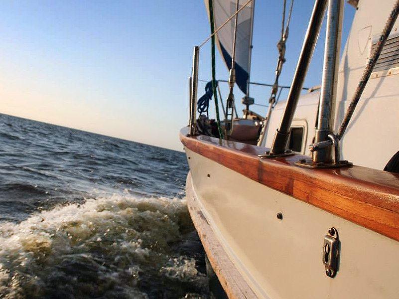 Sailing Cruises   Outer Banks   Kitty Hawk Kites